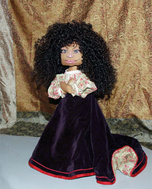 N.B.Tween Pricing: Ragmores range from $245 to $795. Specialty dolls dressed in period costumes sell for $1,100. Scrappingtons are $250 to $375. Contact the artist for specific information and price quotes.