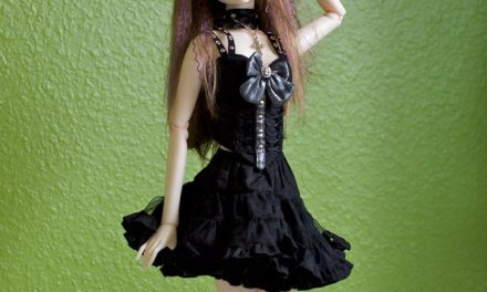 Ball-Jointed Dolls for Beginners – Sueding Your Doll