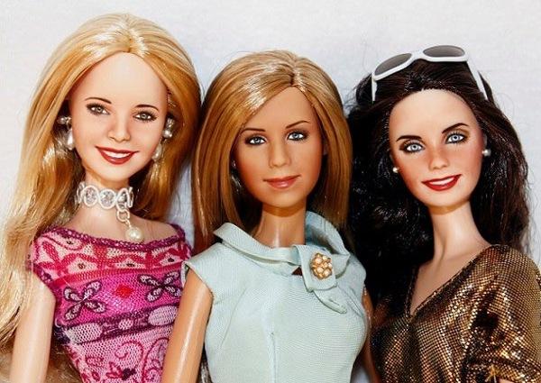 Phoebe-Rachel-and-Monica-dolls-friends