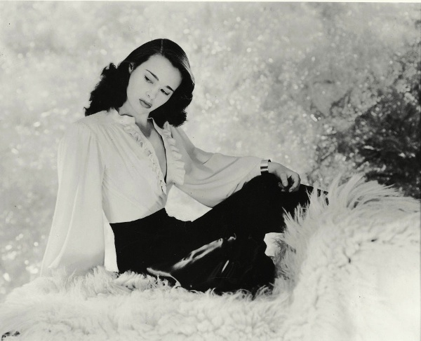 A Mother's Memoir: Gloria Vanderbilt Has Lived Her Life Through Dolls