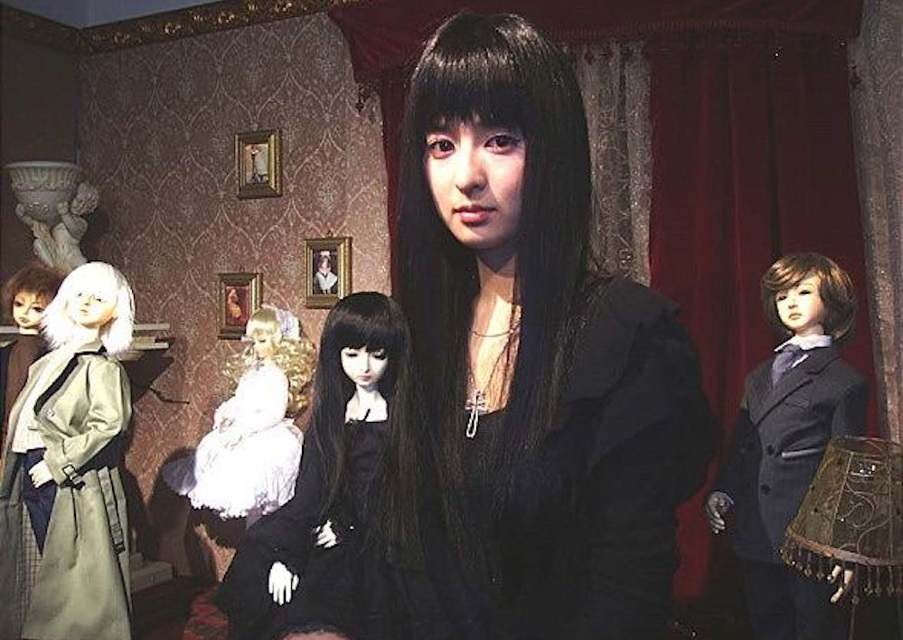 """Lim Eun-Kyung in the Korean horror classic """"The Doll Master."""""""