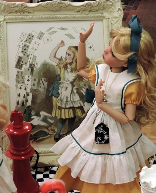 Bergemann's interpretation of Alice in Wonderland