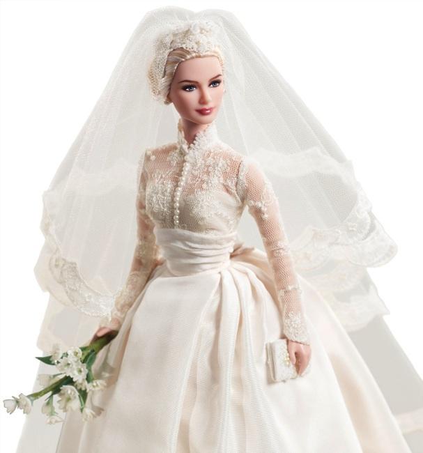 Grace Kelly's bridal ensemble. Photo courtesy of Mattel