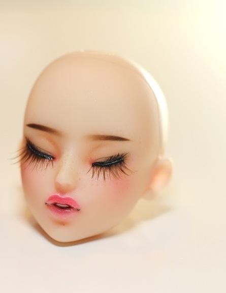 Kadira Closed Eye Pale Painted Head