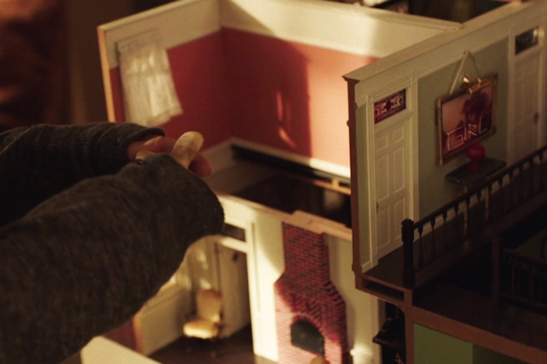 "Dollhouse in ""Sharp Objects"""