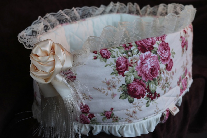 Shabby Chic bassinet