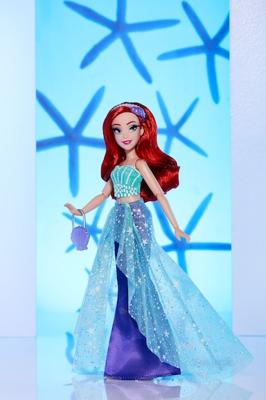 Ariel is a dream come true for collectors, young and old alike. For little children, her brand-new outfit will be accepted as a logical step forward.
