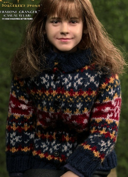 Decked out in her civilian clothing, Hermione looks warm and comfortable.