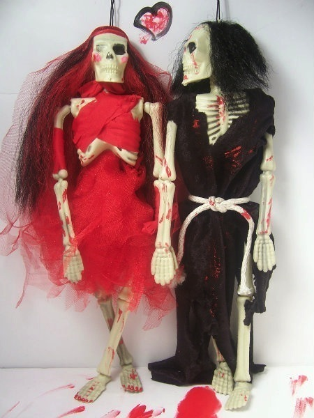 These Married Skeletons have an enduring, eternal love. It's lasting to the grave and beyond!