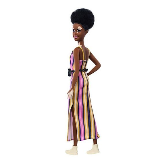 This new 2020 Fashionista Barbie is svelte and gorgeous.
