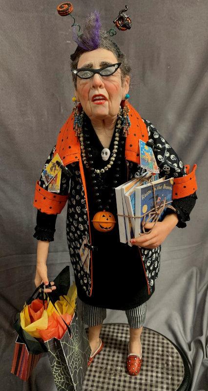 Aunt Doris Shops the Halloween Bazaar, 23 inches