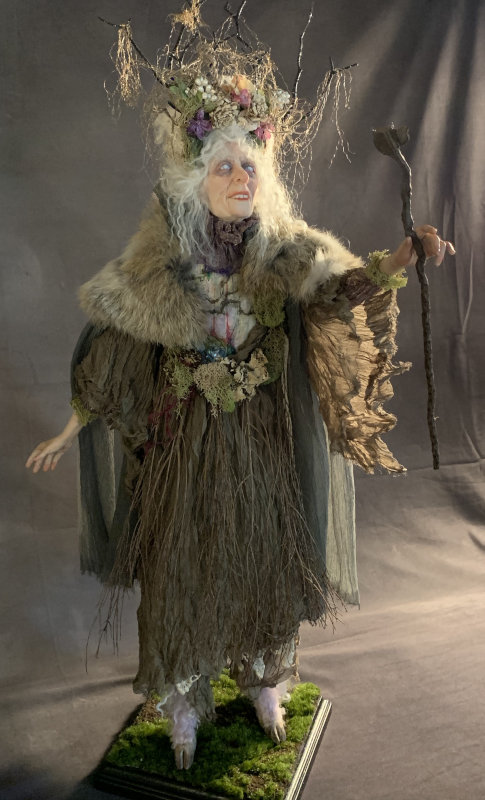 The Forest Sorceress, 23 inches
