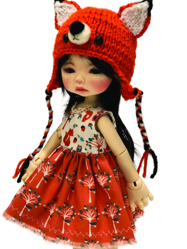 Nikki Britt's Phoebe personifies cuteness in her Edith Schmidt-designed ensemble.