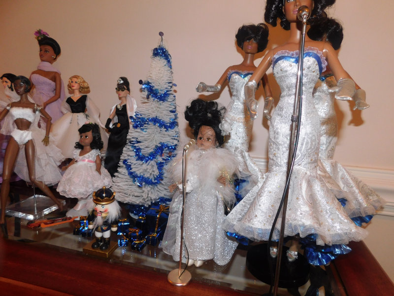 "Jacquelyn Graham-Dickson: ""New Year's with Dream Girls from Tonner Dolls and Madame Alexander Billie Holiday."""