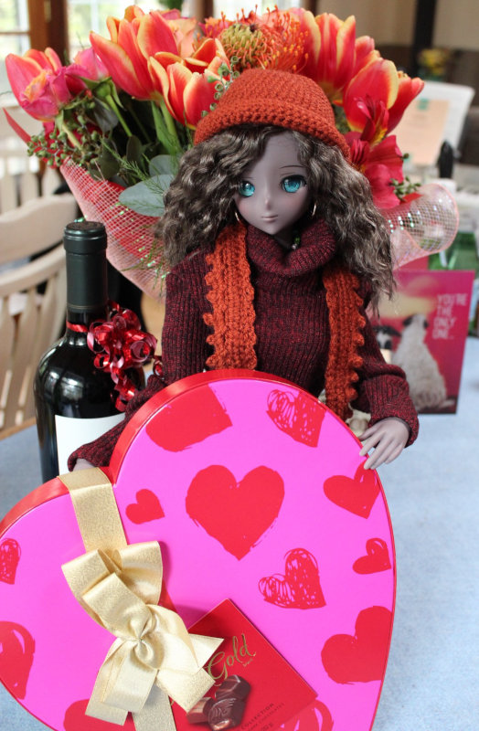 """Wendy Bailey: """"Danny Choo Smart Doll Moonlight celebrates Valentine's Day with a heart-shaped box of chocolates!"""""""