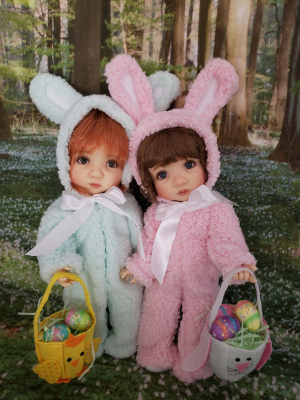 Michele R: My 15-inch Meadow twins Mae and Maggie are ready for Easter, dressed in their snuggly bunny costumes made by Lori Gould (Fashions for Dolls).
