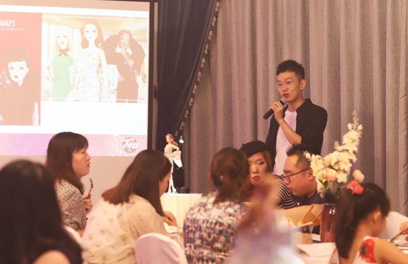 Huadong at the 2020 Mizi Doll Convention.