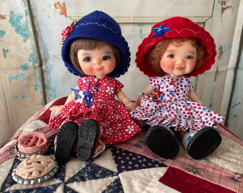 Karen Kinyon: Chara and Gigi celebrate July 4th with cherry and apple pie!