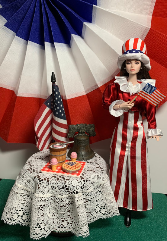 Nilsa Donelan: Integrity Toys' Poppy Parker wears a dress by Mattel (Coca Cola dolls collection), boots by Integrity Toys. Ice cream and pie décor from Hallmark.