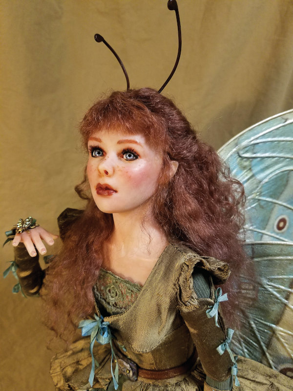 Pearl is the second in Zalme's Mother of Pearl series of fairies.