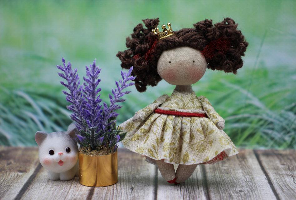 Moppet Dolls: Natasha Tereza's miniature dolls bring smiles to collectors