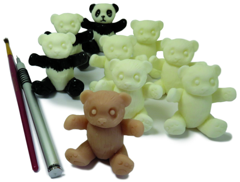 Moulton created this resin panda to go with Lilly.