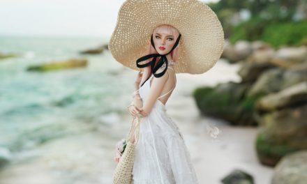 Aquatalis tempts collectors with high-end fashions, repaints, doll line