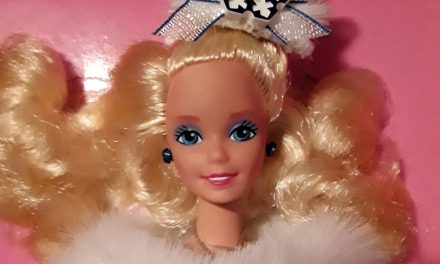 Curious Collector: FAO Schwarz 1990 Winter Fantasy Barbie